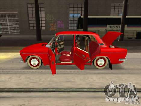 2103 VAZ Resto style pour GTA San Andreas vue intérieure