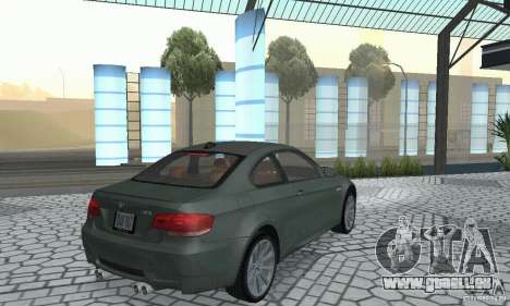 BMW M3 E92 Stock für GTA San Andreas zurück linke Ansicht