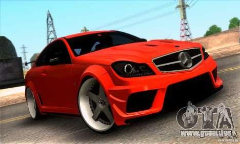 Mercedes Benz C63 AMG pour GTA San Andreas salon