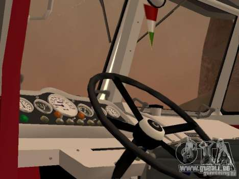 Ikarus 60 pour GTA San Andreas vue arrière