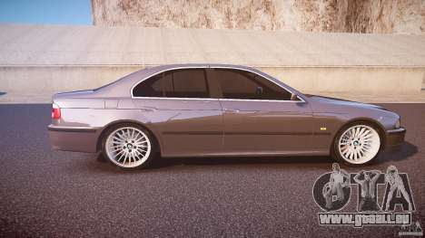 BMW 530I E39 stock white wheels pour GTA 4 est une vue de l'intérieur