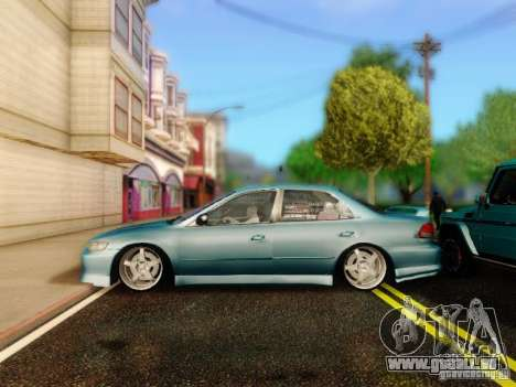 Honda Accord 2001 pour GTA San Andreas vue de droite