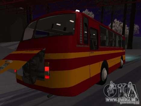 LAZ 697N pour GTA San Andreas sur la vue arrière gauche