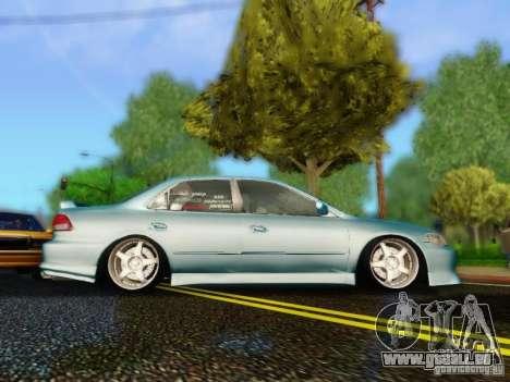 Honda Accord 2001 pour GTA San Andreas sur la vue arrière gauche