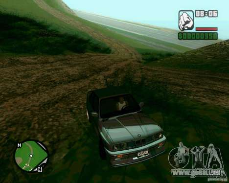 BMW M3 E30 Sport Evolution pour GTA San Andreas vue de droite