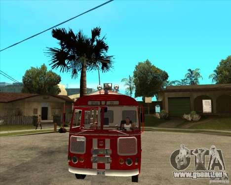 Pompier PAZ 672 pour GTA San Andreas vue arrière