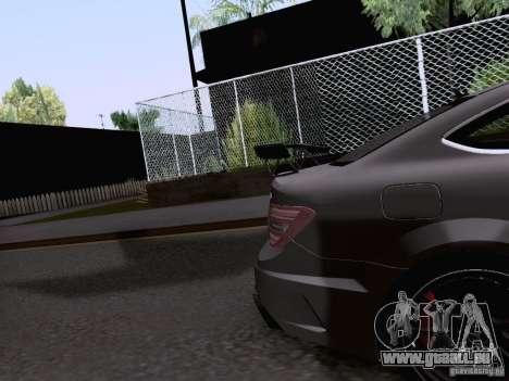 Mercedes-Benz C63 AMG Coupe Black Series pour GTA San Andreas vue de côté
