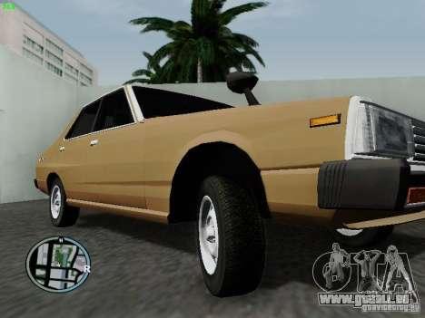 Nissan Skyline 2000GT C210 pour GTA San Andreas vue intérieure