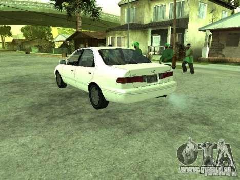 Toyota Camry 2.2 LE pour GTA San Andreas sur la vue arrière gauche
