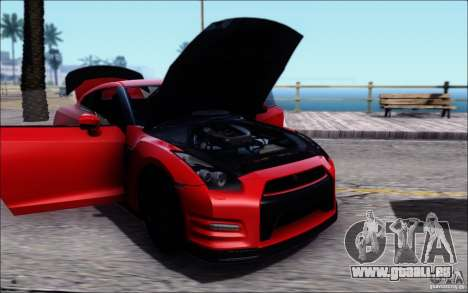 Nissan GTR 2011 Egoist (version avec la saleté) pour GTA San Andreas sur la vue arrière gauche