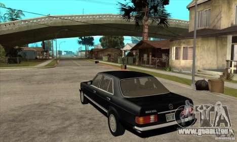 Mercedes Benz W126 560 v1.1 pour GTA San Andreas sur la vue arrière gauche