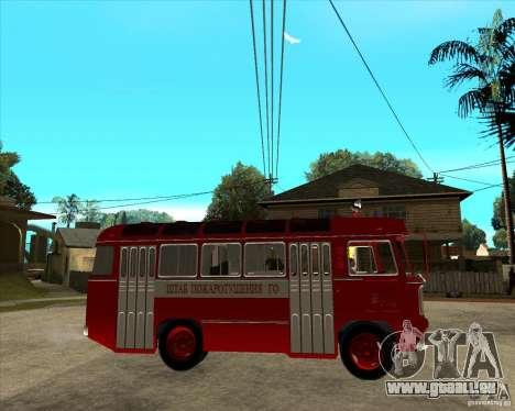 Pompier PAZ 672 pour GTA San Andreas vue de droite