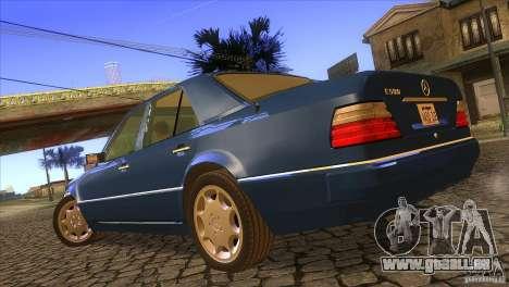 Mersedes-Benz E500 pour GTA San Andreas laissé vue