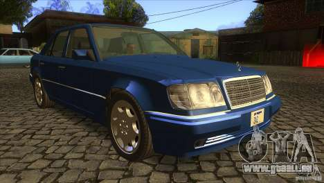 Mersedes-Benz E500 pour GTA San Andreas vue de côté