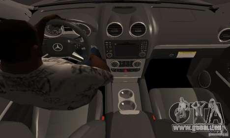 Mercedes Benz ML63 AMG pour GTA San Andreas vue de droite