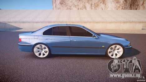 BMW 530I E39 e63 white wheels pour GTA 4 est un côté