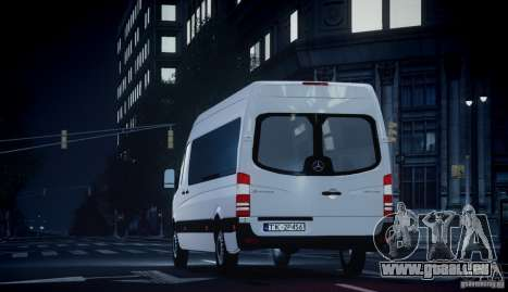 Mercedes-Benz Sprinter Long für GTA 4 rechte Ansicht