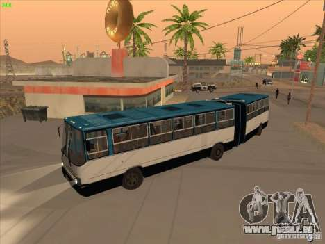 IKARUS 280.03 pour GTA San Andreas sur la vue arrière gauche