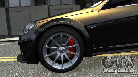 Mercedes Benz C63 AMG Black Series 2012 pour GTA 4 est un côté