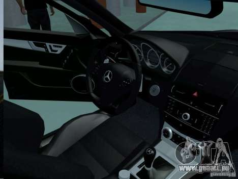 Mercedes-Benz C63 AMG 2010 für GTA San Andreas rechten Ansicht