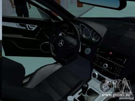 Mercedes-Benz C63 AMG 2010 pour GTA San Andreas vue de droite