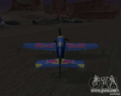 Extra 300L Red Bull pour GTA San Andreas vue arrière