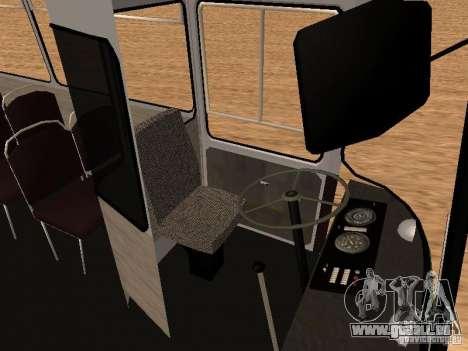 LAZ 695 pour GTA San Andreas vue intérieure