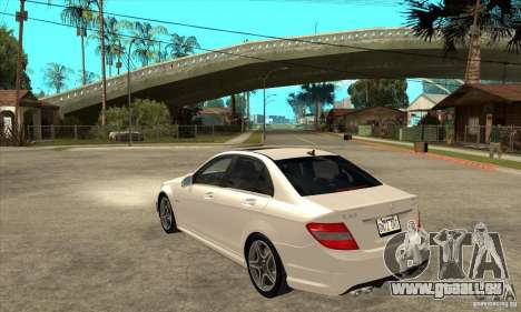 Mercedes-Benz C63 AMG 2010 pour GTA San Andreas vue de dessous