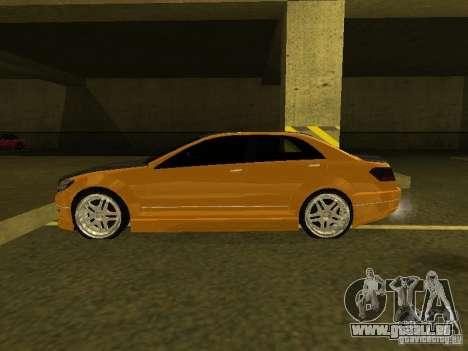 GTAIV Schafter Modded pour GTA San Andreas sur la vue arrière gauche