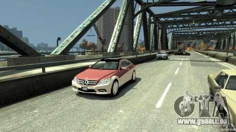 Mercedes-Benz E 500 Coupe V2 pour GTA 4 est une gauche