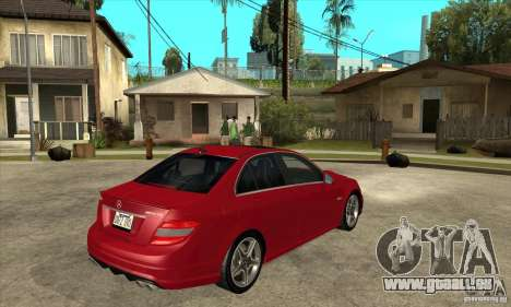 Mercedes-Benz C63 AMG 2010 pour GTA San Andreas salon
