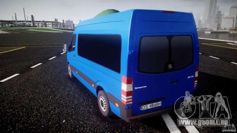 Mercedes-Benz ASM Sprinter Ambulance pour GTA 4 Vue arrière de la gauche