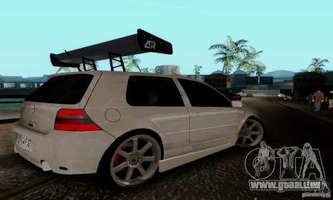 Volkswagen Golf 4 pour GTA San Andreas vue de droite