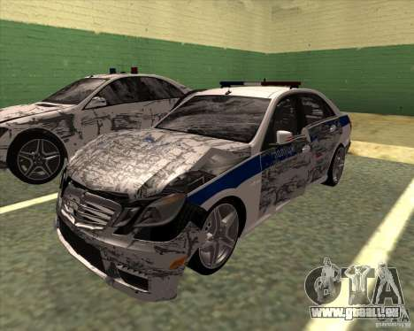 Mercedes-Benz E63 AMG W212 pour GTA San Andreas vue de côté