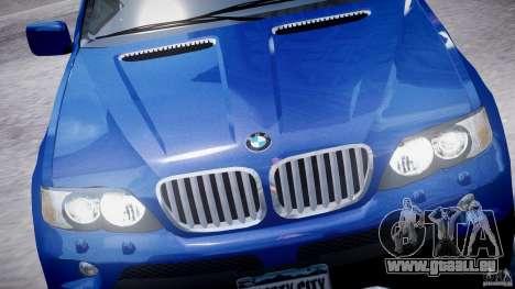 BMW X5 E53 v1.3 pour GTA 4 est un côté