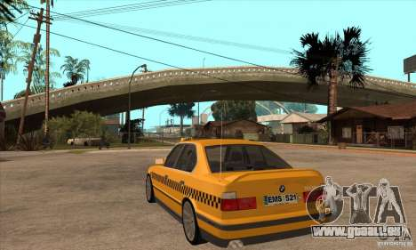 BMW E34 535i Taxi pour GTA San Andreas sur la vue arrière gauche