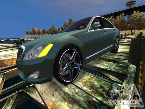 Mercedes-Benz W221 S500 pour GTA 4 Vue arrière de la gauche