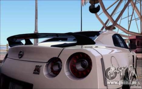 Nissan GTR 2011 Egoist (version avec la saleté) pour GTA San Andreas salon