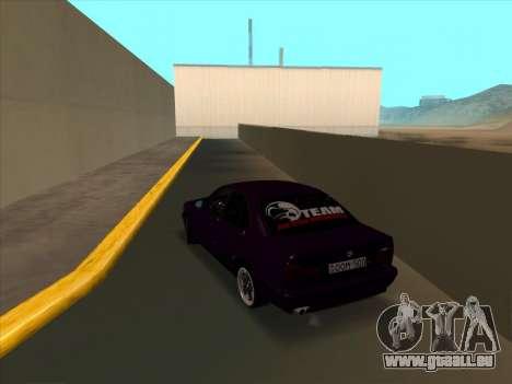 BMW M5 E34 NeedForDrive pour GTA San Andreas sur la vue arrière gauche
