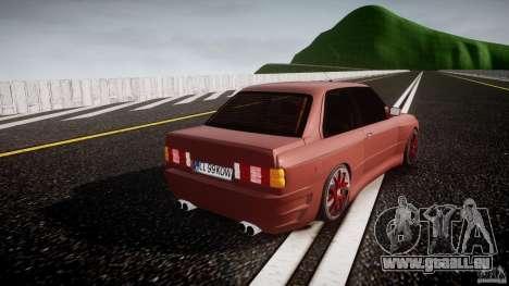 BMW E30 v8 pour GTA 4 est un côté