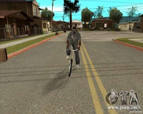 Nouveau vélo pour GTA San Andreas sur la vue arrière gauche