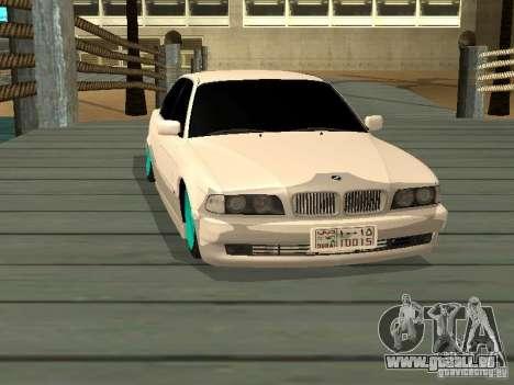 BMW 750i JDM pour GTA San Andreas vue de droite