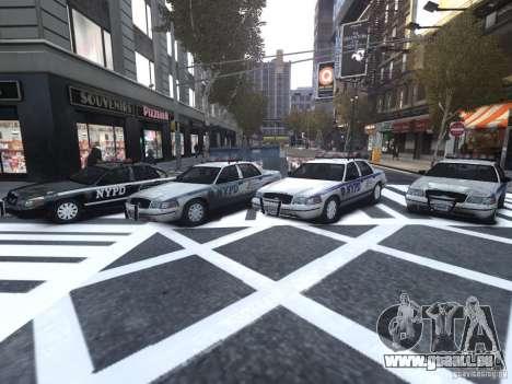 Ford Crown Victoria NYPD Auxiliary pour GTA 4 est une vue de l'intérieur