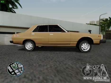 Nissan Skyline 2000GT C210 pour GTA San Andreas laissé vue