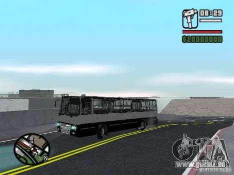 Ikarus 260.06 pour GTA San Andreas vue de côté