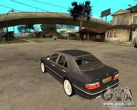 Mercedes–Benz E Class pour GTA San Andreas laissé vue