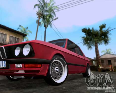 BMW 5-er E28 pour GTA San Andreas vue de dessus