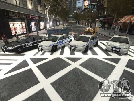 Chevrolet Impala 2006 NYPD Traffic pour GTA 4 est une vue de l'intérieur