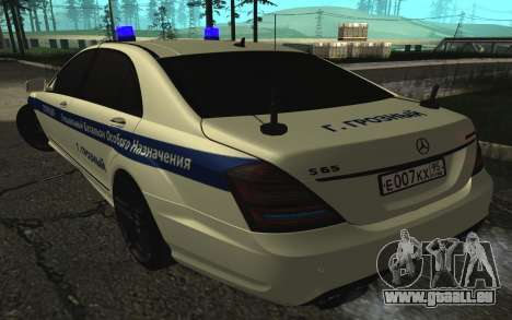 Mercedes-Benz S65 AMG W221 pour GTA San Andreas vue intérieure