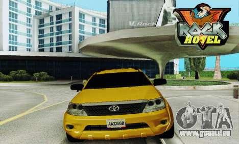 Toyota Fortuner Original 2013 pour GTA San Andreas vue arrière